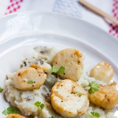 Seared Scallops with Garlic Mashed Potatoes